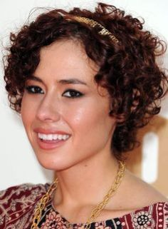 1000 images about curly hair on pinterest short curly hairstyles curly hair and mr kate