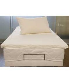 Living Memory Foam Double Mattress Topper And 2free Pillows