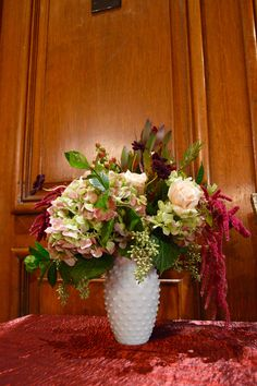 Hobnail container wi