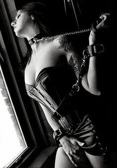 women in bondage collars
