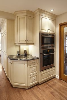 outside corner kitchen cabinets for the home pinterest on kitchen cabinets corner id=83638