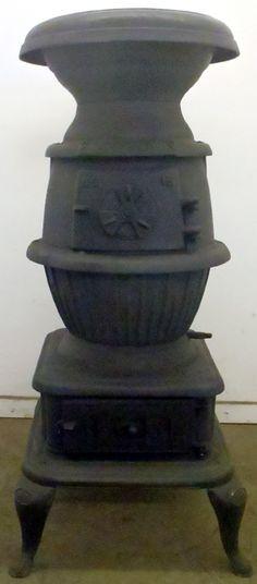 Antique Vintage Pot Belly Potbelly Parlor Stove Round Cast Iron Small Cabin Shop Antique