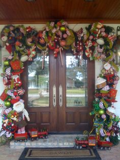 1000 Images About Christmas Front Doors On Pinterest