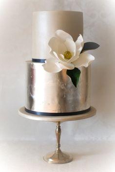 Metallic cake with n