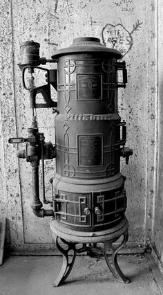 Antique Hot Water Tanks An Array Of Old Hot Water Heaters Antique Stoves Pinterest