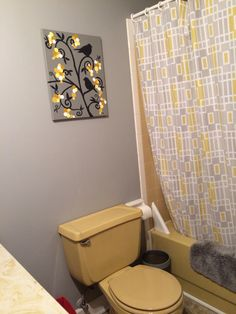 Mary Homann S Harvest Gold Bathroom Before And After