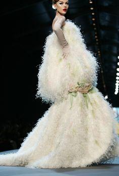 1000 Images About Avant Garde Haute Couture On Pinterest