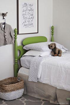 boys bedroom with li