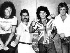 Rare Celebrity Photos - Part 2 | Freddie mercury and Mercury