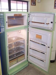 This 1950s Ge Refrigerator Features A Foot Pedal Opening