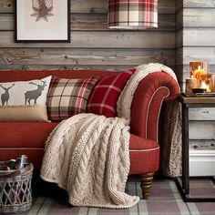 red-sofa-in-highland