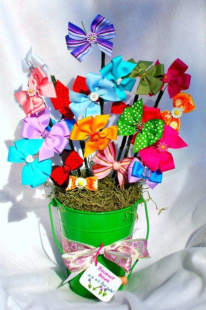 I LOVE this idea for a baby shower gift! Much cuter than a diaper cake {if it&#3