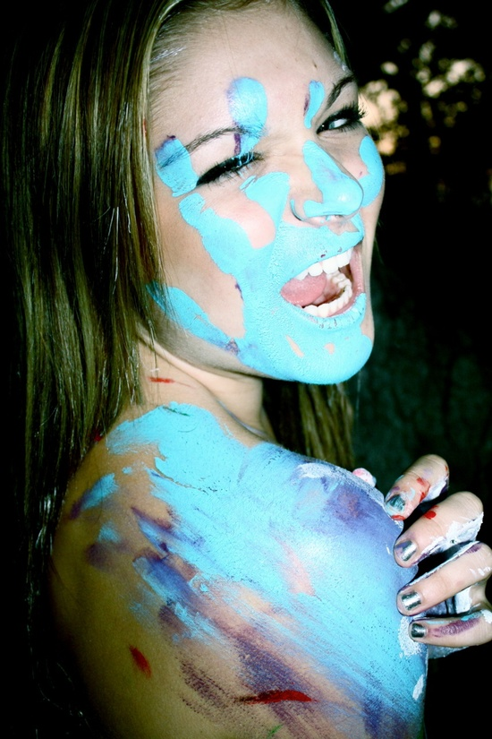 What a fun photoshoot idea Can never have too much paint :)