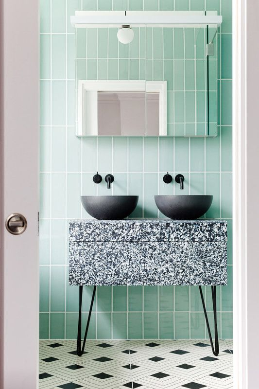 dark sink, light tile