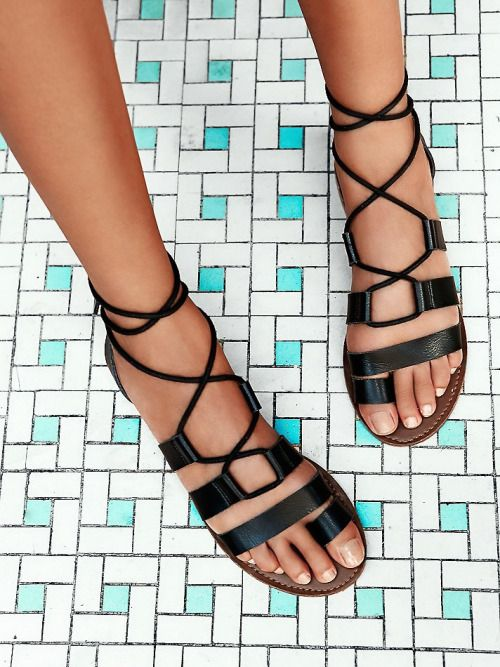 Ugh! These sandals are so cute, and perfect for travel! Find more awesome tips at www.travelfashiongirl.com:
