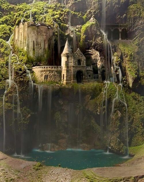 The Amazing Waterfall Castle: