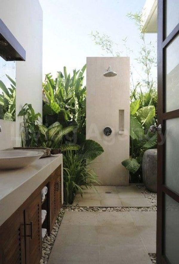 #Outdoor #bathroom // #Badezimmer unter freiem #Himmel: