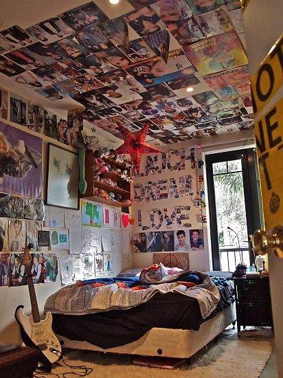 totally gonna put posters on my ceiling when i run out of on poster my wall id=51736