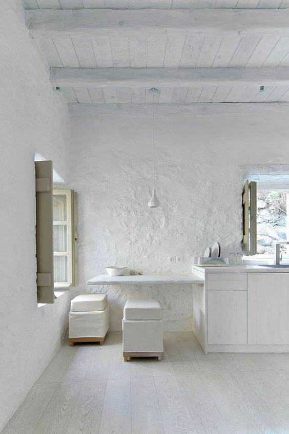 Apartment upstairs - Melanopetra: