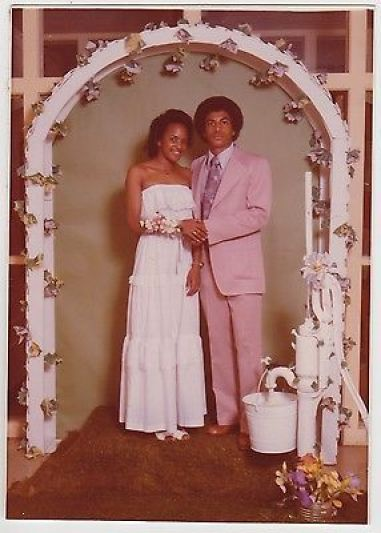 1e3cda2c2c9e0154c45195c537f71f03 15 Vintage African American Prom Dress Pictures