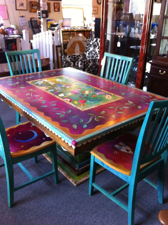 Gorgeous Hand Painted Table And Chairs Now I Cant Decide How To Do Our Table Hmmm Wanna