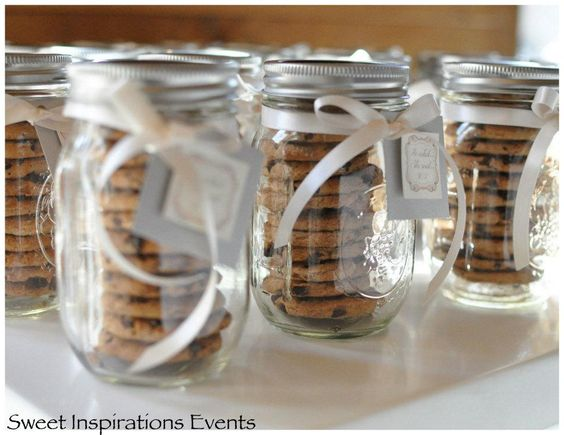 Holiday Cookie Exchange Party DIY Mason Jar Cookie Containers Chocolate Chip Cookies