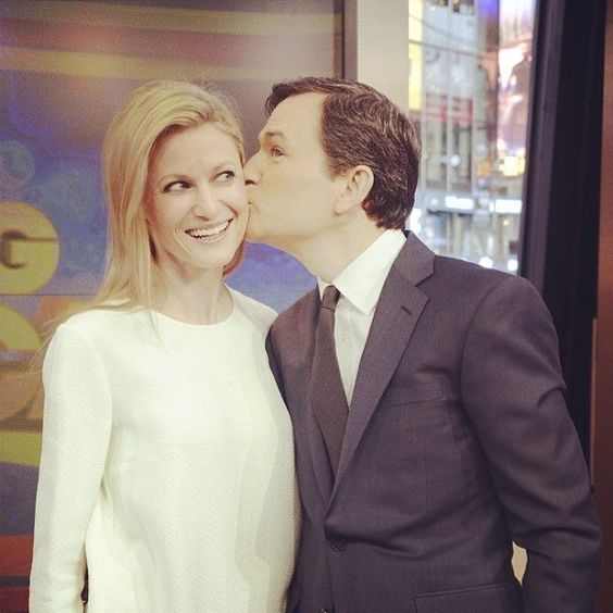 Aww! Dan Harris says wife Bianca made him 100% happier! https://www.facebook.com/photo.php?fbid=657593930970249&set=a.212787165450930.52262.209311282465185&type=1&theater: