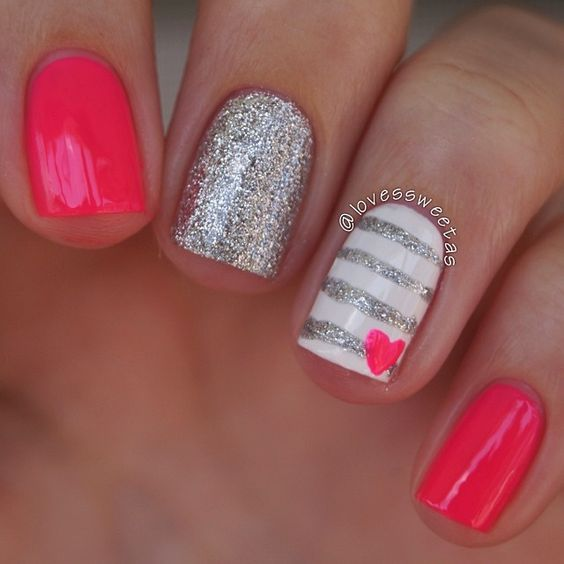 These Valentineu0027s Day Nails Are So Pretty!