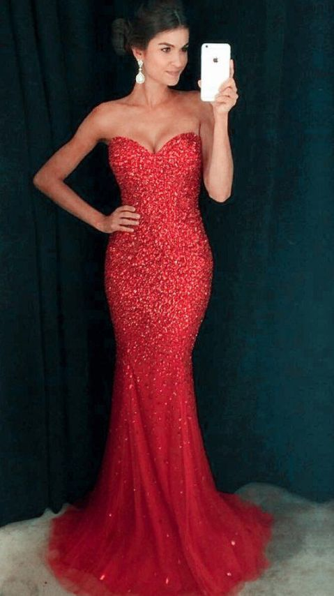 Red is a perfect color for mermaid prom dresses!