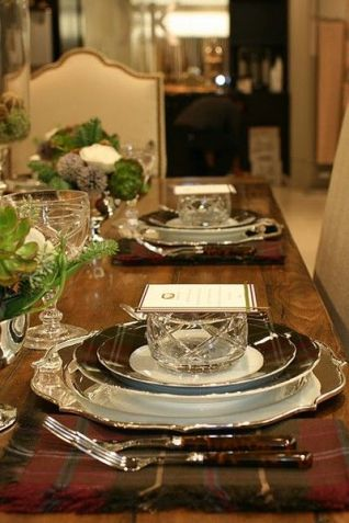 wood table setting