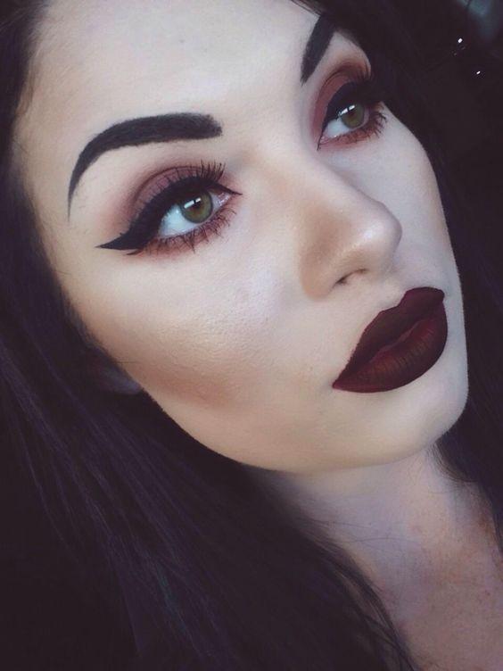 Dark makeup, Bold lips and Make com on Pinterest
