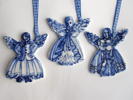 absolutely beautiful things: Blue & White Christmas Ornaments:
