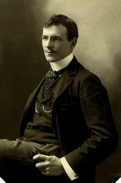 elegant man 1900 usa: