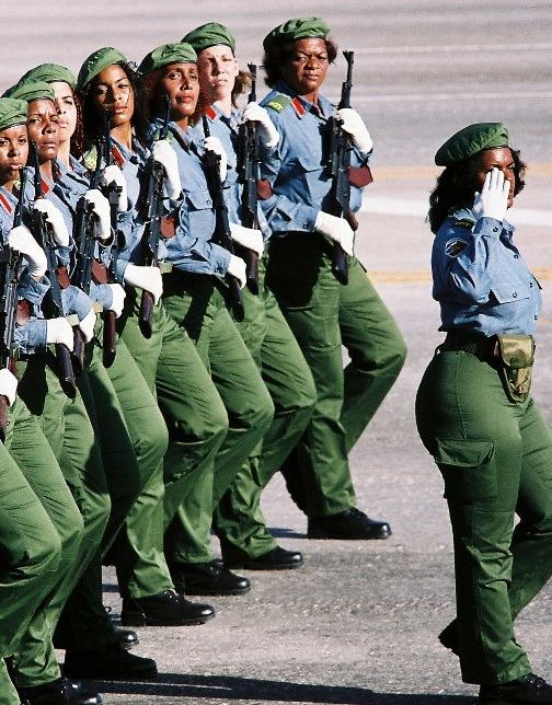 35486f7565dbfca2ada1185592e11d4f 20 Patriotic Pictures of Black Women in the Military