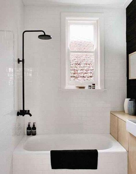Grifería de baño negra