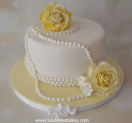 Yellow Roses And Pearls Cake Lulubelle S Bakes