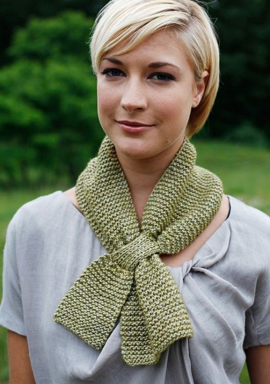 free knitting pattern from Berroco - an easy garter stitch scarf has a keyhole design that makes it just perfect!: