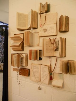 book wall, gorgeous: