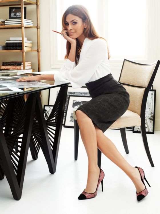 Eva Mendes as Felicia Levi (formerly Felicity Brooke)v = the type of women i would like to look like when i do my business: