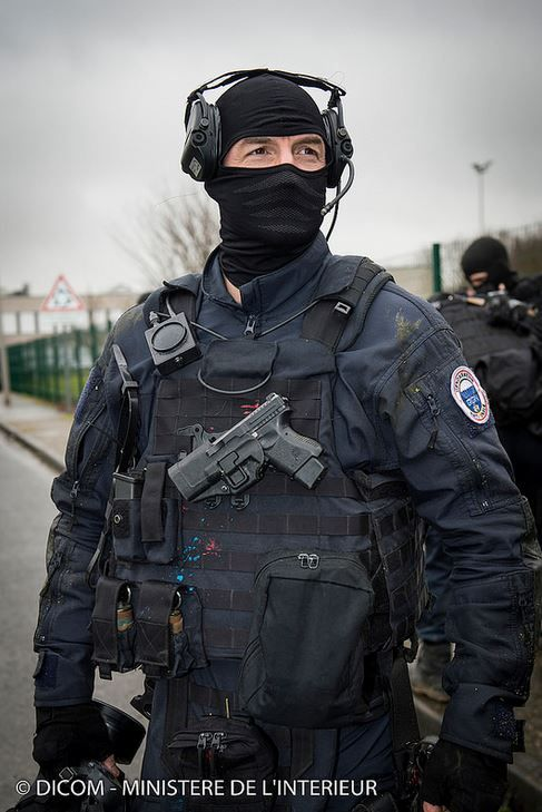 French GIGN (anti-terrorism unit) after intervention in ...