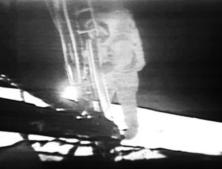 Resultado de imagen para neil armstrong first step on the moon