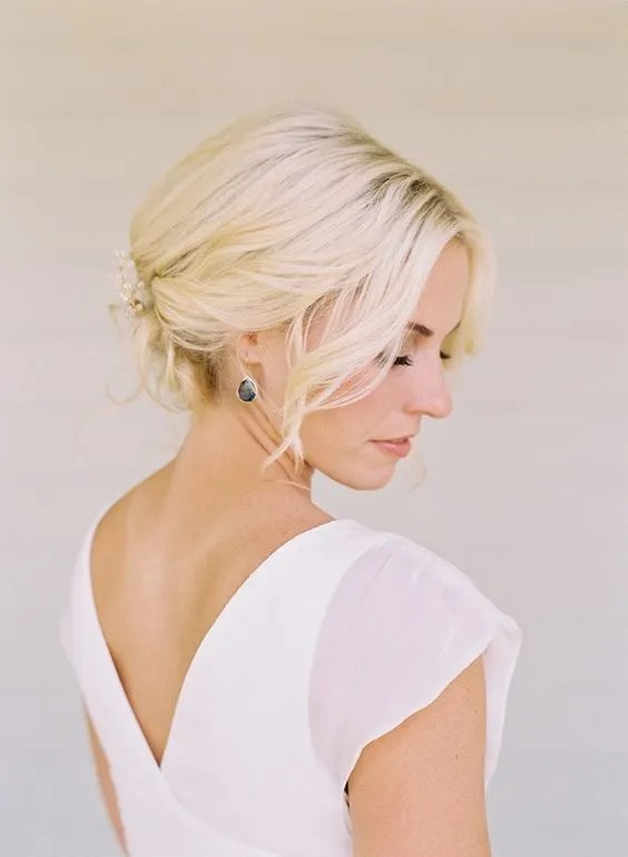 Pretty short wedding hair ideas