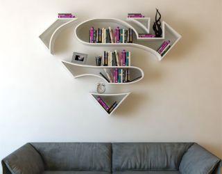 Prateleiras de livros em forma de símbolos de super-heróis - limaonagua: