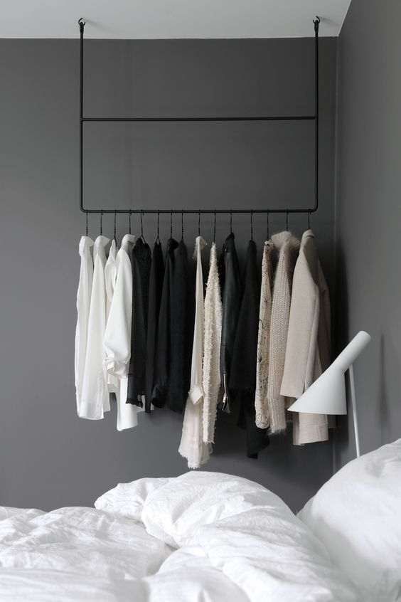 arara de roupas no quarto // clothing rail in the bedroom ~ via Stylizimo.: