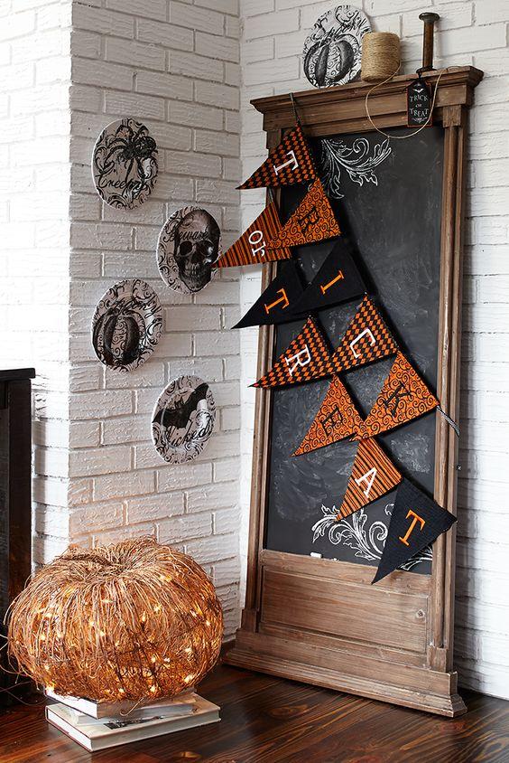 Grown-Up Halloween Inspiration | https://www.roseclearfield.com