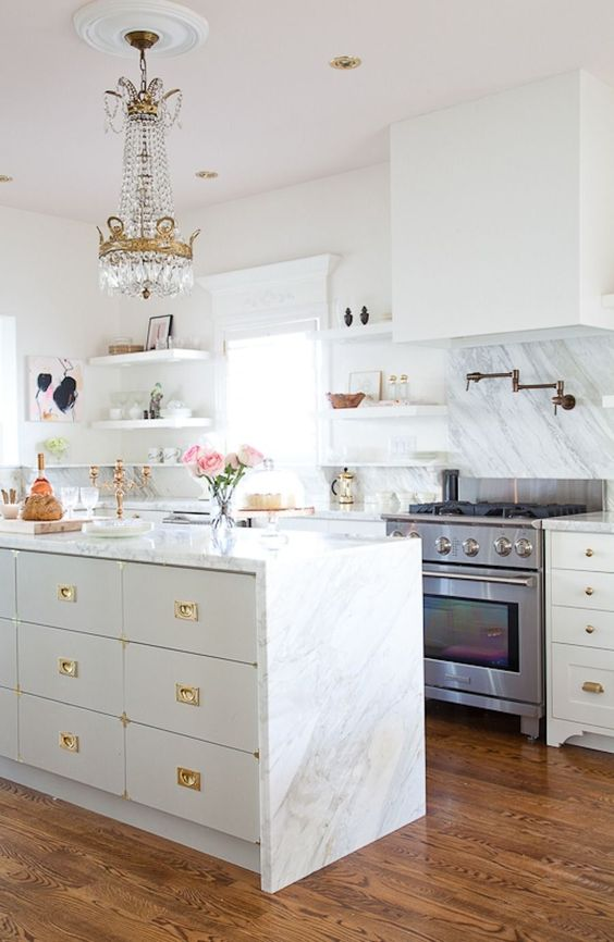 Beautiful kitchen inspiration with white and grey cabinets, open shelving and chandelierr - Christine Dovey