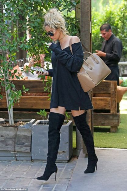 The perfect date night outfit with Khloe Kardashian style!