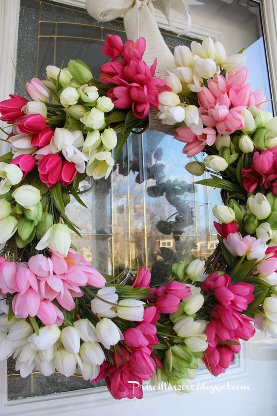 DIY Spring Tulip Wreath via Priscilla's