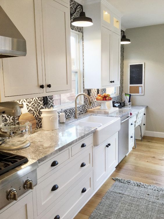 farmhouse kitchen backsplash and countertop farmhouse kitchen with patterned tile backsplash on farmhouse kitchen backsplash id=26443