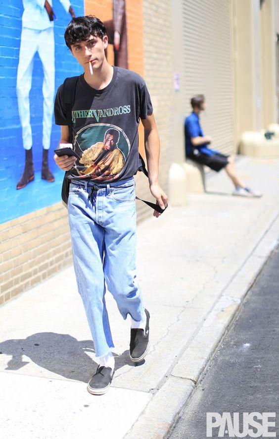 2019年メンズのトレンドTシャツコーデならビッグシルエット&タックイン